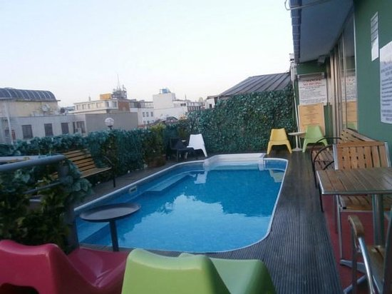 Grand Ons Hotel : petite piscine sur la terrasse