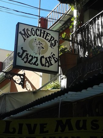 Moochers Jazz Cafe : sign
