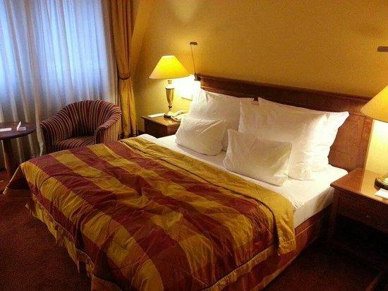 Art Nouveau Palace Hotel : Bed