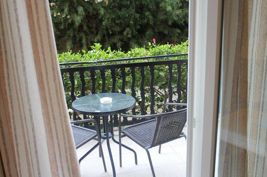Dionysos Central Hotel: номер