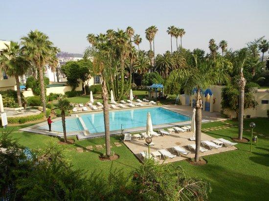 Hotel Ibis Fes: jardin et piscine