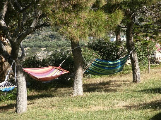 CHC Aroma Creta : farniente sur les hamacs face a la mer