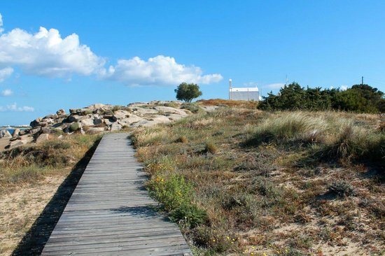 Agios Prokopios, Greece: Wooden walkway from Maragas around the headland to Agia Anna