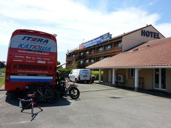 Inter-Hotel Belleville : ACCUEIL BUS