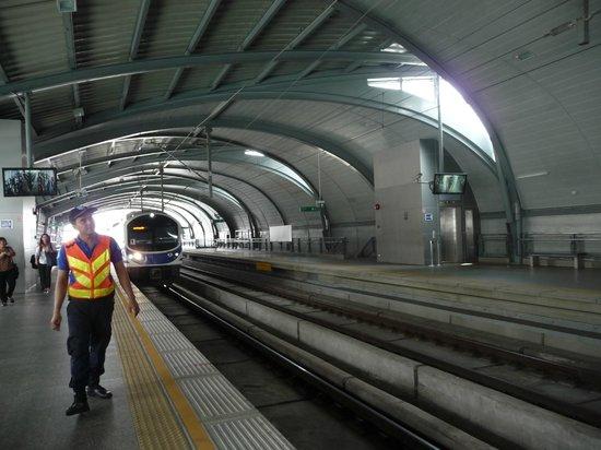 Airport Rail Link: Phaya Thai Station