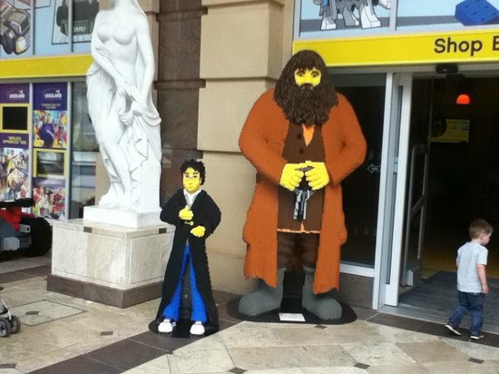 intu Trafford Centre: Harry and Hagrid lego