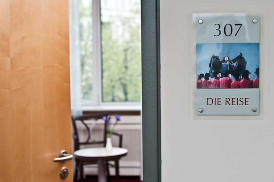 Come Inn Berlin Kurfürstendamm Opera: Room Entrance