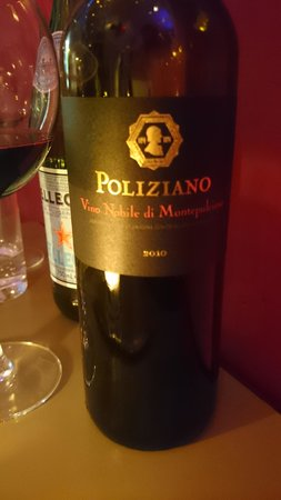 MAX Amsterdam: Always need wine