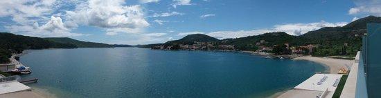 Admiral Grand Hotel: Baie de Slano