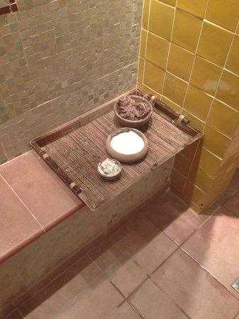 Lea Marston Hotel & Spa: Mud Spa treatment