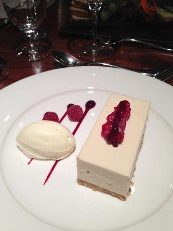 Lea Marston Hotel & Spa: Desert white chocolate cheesecake & boy you can taste white chocolate amazing
