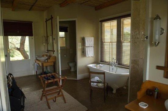 Samara Private Game Reserve: our bathroom