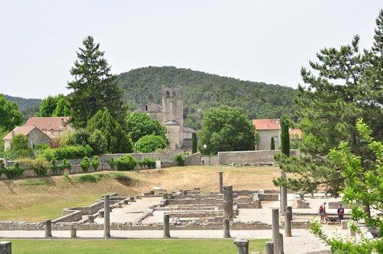 Vaison la Romaine : De kathedraal