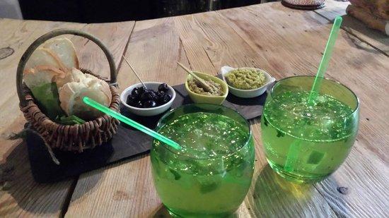 Green Ecolodge : mojito/tapas autour du bar