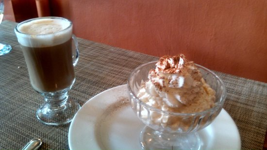 Martin's Restaurant: cappuccino and rice pudding
