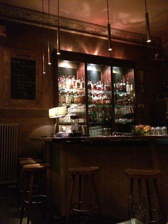 Kirk Bar