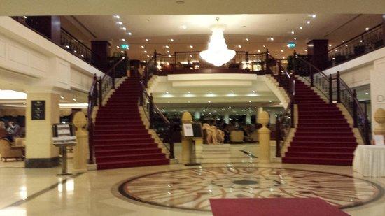 Excelsior Grand Hotel: Hall Dell'albergo