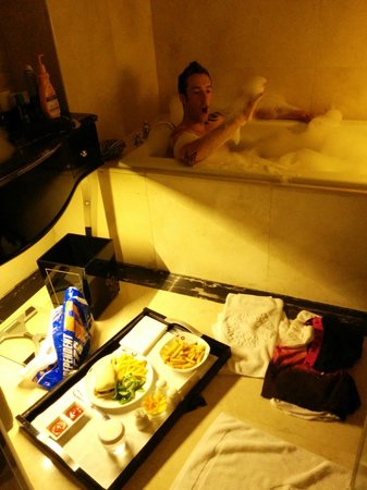 The Trans Luxury Hotel Bandung: Dinner