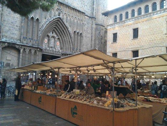 el Jardi: Рынок внизу