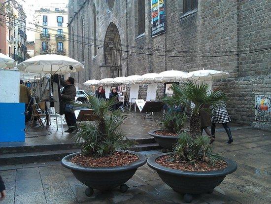 el Jardi: Соседняя церковь - Санта Мария дель Пи