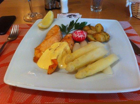 Wirtshaus St. Jakob: Frischer Lachs