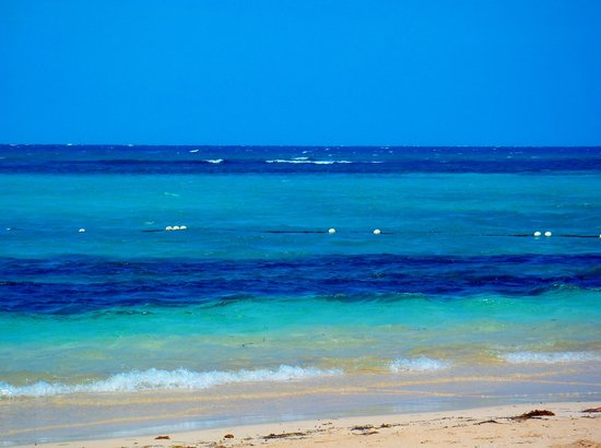 Ocho Rios Bay Beach : The colour of the sea