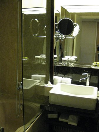 Hotel InterContinental Geneve: Bathroom