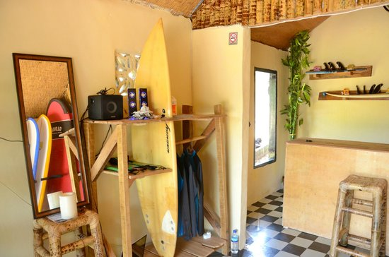 Gloro Surf School Lombok