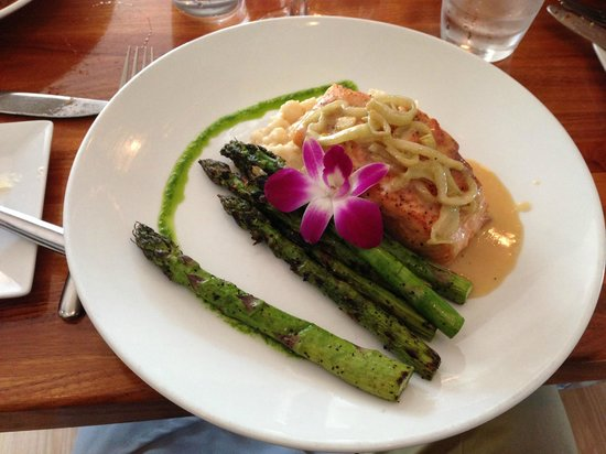 That Place : Pan-Seared Carmelized Salmon on Creamy Risotto and Grilled Asparagus
