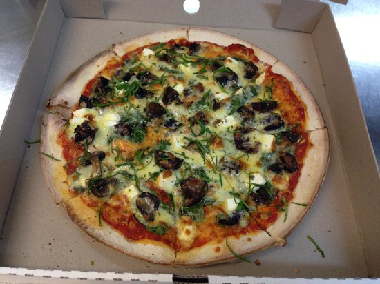 Poppies Cafe: Pizza