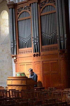 Abbaye aux Dames: The organ