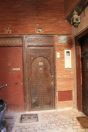 Riad BB Marrakech: The door to the riad