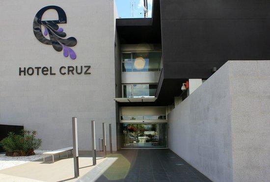 ESCUDEROS HOTEL CRUZ: Fachada del Hotel