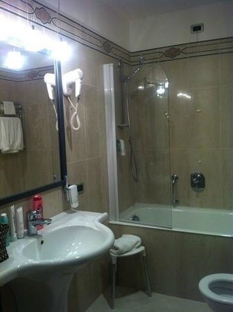BEST WESTERN Atlantic Hotel : Ванная комната стандартного номера