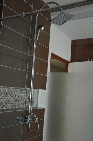 Baan Lukkan Resort: Queen size bed Room