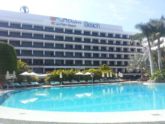 Seaside Palm Beach: Poolbestuhlung