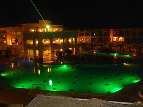 Jaz Sharks Bay: Pool area at night