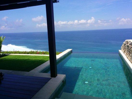 The Ungasan Clifftop Resort: Ocean n pool