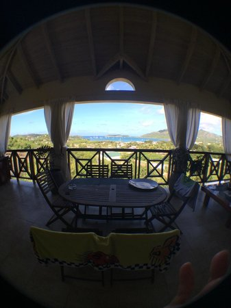 Villa Touloulou: What a balcony, what a view :)