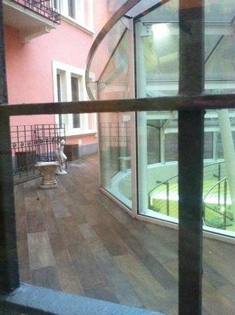 Ibis Styles Milano Centro : Вид с лестницы