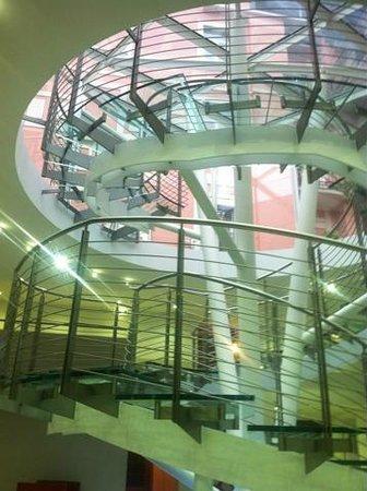 Ibis Styles Milano Centro : Холл
