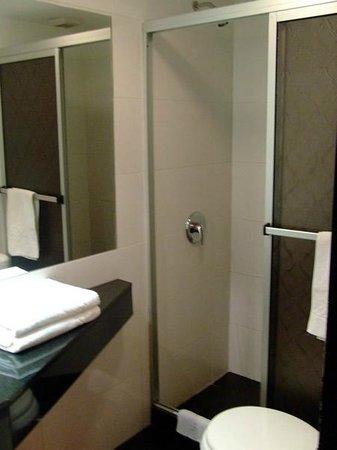 Sur Hotel: Banheiro | Hab. 17 Matrimonial Lujo