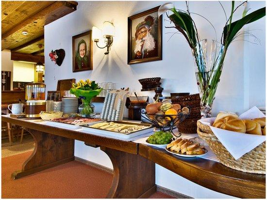 Hotel Garni Mössmer: Buffet