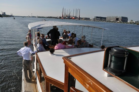 Rederij Aemstelland Private Boat Tours: Onderweg op het IJ
