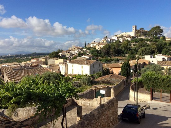 Petit Hotel Son Arnau: View of Selva village from breakfast terrace