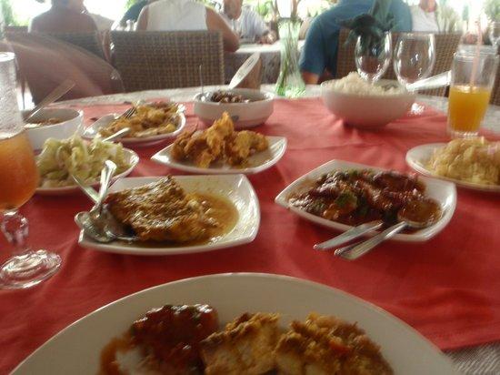 Marie Antoinette : excellent buffet lunch