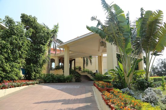 The Hans Coco Palms: Hotel