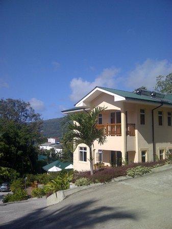 The Palm Seychelles : Vistas desde la zona alta del predio