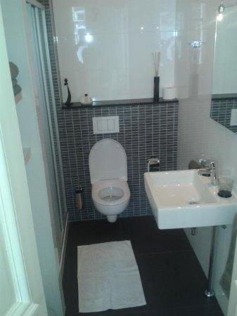 Hof: vista del bagno nuovissimo