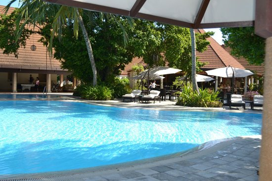 Kurumba Maldives: бассейн